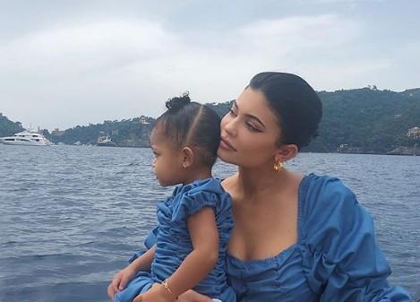 Κάιλι Τζένερ: Δε φαντάζεστε τι κατάφερε να κάνει η κόρη της   imommy.gr