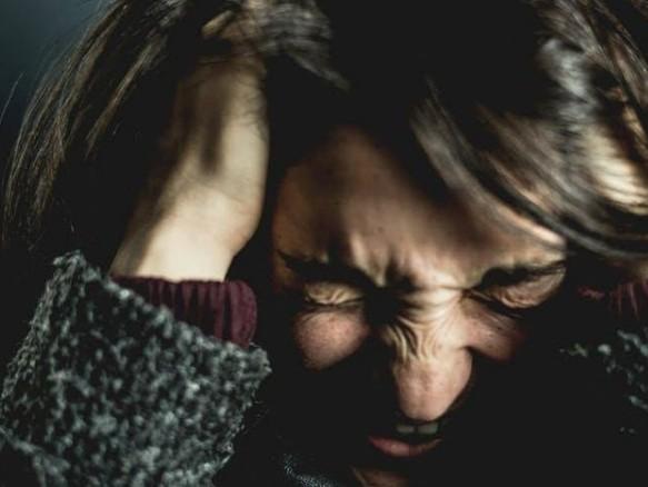 Πώς επηρεάζει η συνέρευση τον πονοκέφαλο | imommy.gr