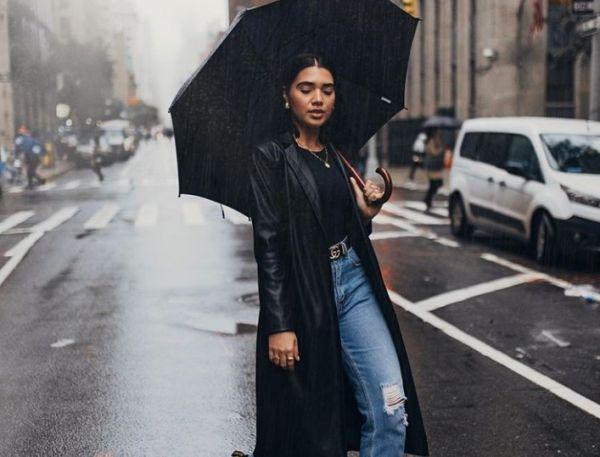 Πώς να ντυθείς με στυλ τις βροχερές μέρες | imommy.gr
