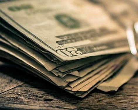 Δείτε πώς επηρεάζουν τις σχέσεις τα χρήματα | imommy.gr