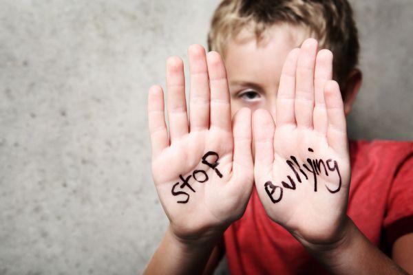 Τι να κάνετε αν το παιδί σας κάνει bullying | imommy.gr