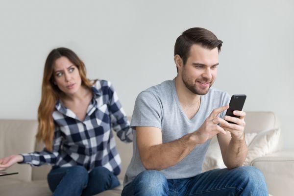 Πώς να ξεφύγετε από την ζήλια στο γάμο | imommy.gr