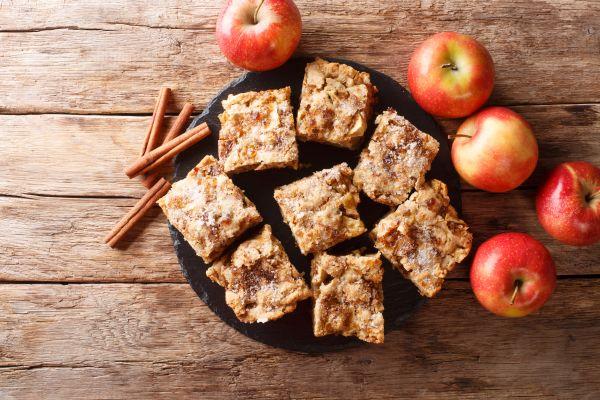 Εύκολη συνταγή για μπράουνις με μήλο | imommy.gr