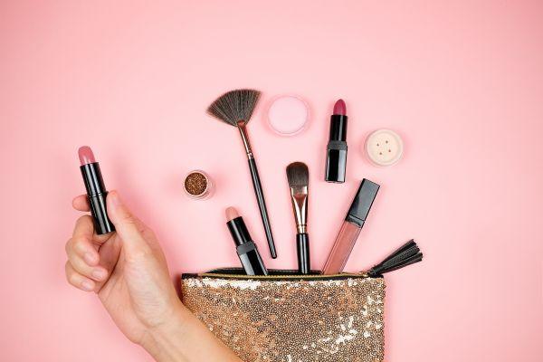 Τι διάρκεια ζωής έχουν τα προϊόντα μακιγιάζ; | imommy.gr