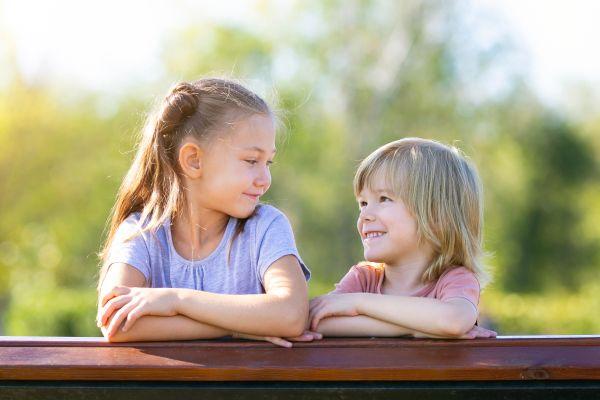 Τα υπέρ του να μεγαλώνετε παιδιά ηλικιακά κοντά | imommy.gr