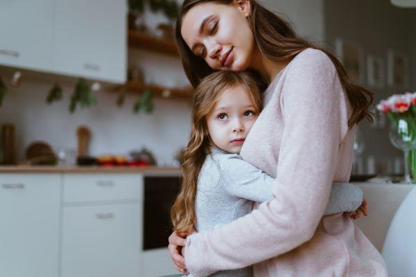 Πώς θα βοηθήσετε το παιδί να αναπτύξει τη συναισθηματική του νοημοσύνη | imommy.gr