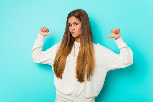 Τι να κάνετε αν η έφηβη κόρη σας μετατρέπεται σε νάρκισσο | imommy.gr