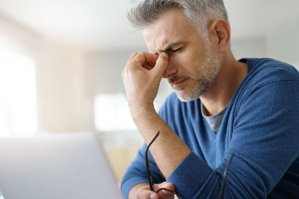 Ποιες είναι οι αιτίες του πονοκεφάλου μετά τον ύπνο; | imommy.gr