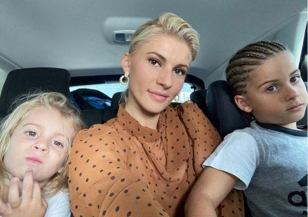 Όλγα Πηλιάκη: «Θηλάζει» την 3χρονη κόρη της | imommy.gr