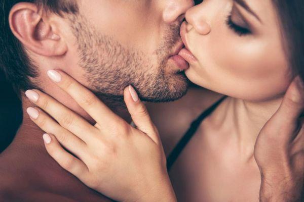 Το φιλί από αυτά τα τρία ζώδια θα σε τρελάνει | imommy.gr
