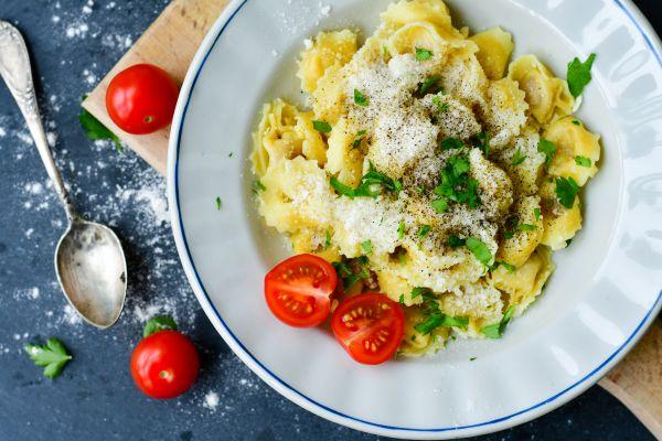 Τορτελίνια με κουκουνάρι και πέστο | imommy.gr