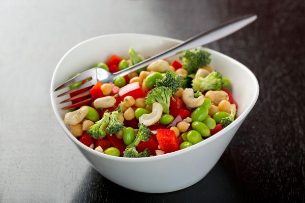 Δροσερή σαλάτα με φασόλια και καρύδι | imommy.gr