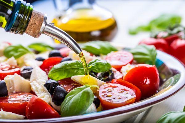 Γιατί όλοι εγκωμιάζουν τη μεσογειακή διατροφή; | imommy.gr
