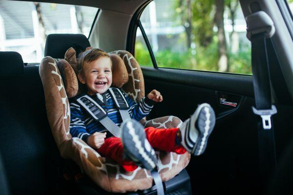 Όσα πρέπει να ξέρετε για τα παιδικά καθίσματα αυτοκινήτου | imommy.gr