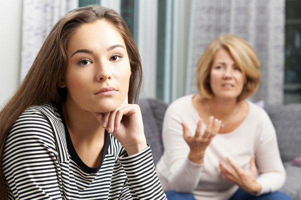 Πώς θα καταλάβετε ότι το παιδί σας λέει ψέματα | imommy.gr
