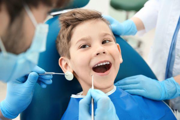 Φόβος για τον οδοντίατρο; Βοηθήστε το παιδί να το ξεπεράσει | imommy.gr