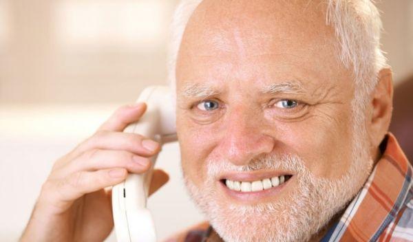 Όταν ο δικός σου σηκώνει το τηλέφωνο και μιλάει ψιθυριστά   imommy.gr
