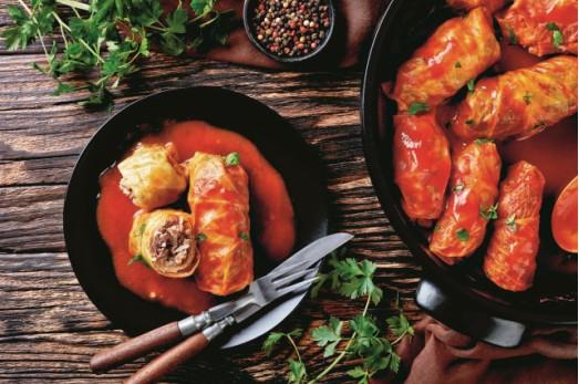 Λαχανοντολμάδες κοκκινιστοί | imommy.gr