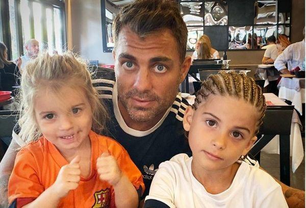 Στέλιος Χανταμπάκης: Δείτε τι έκανε μαζί με τα παιδιά του | imommy.gr
