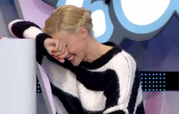Επικό σαρδάμ: Γονάτισε η Ζέτα Μακρυπούλια από τα γέλια | imommy.gr
