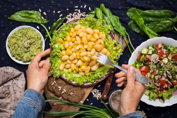 Το μυστικό για να τρώτε φυτικές ίνες χωρίς να φουσκώνετε | imommy.gr