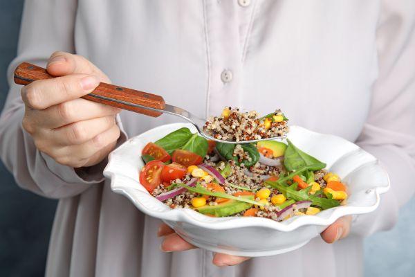 Ποια τρόφιμα να επιλέξετε και ποια να αποφύγετε για να χάσετε εύκολα βάρος | imommy.gr