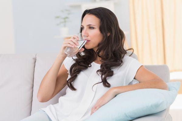 Επτά αλλαγές που θα συμβούν στον οργανισμό σας αν αρχίσετε να πίνετε περισσότερο νερό | imommy.gr