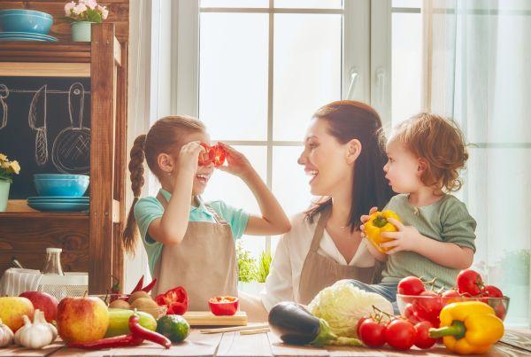Εξι θρεπτικά συστατικά που πρέπει να τρώνε τα παιδιά | imommy.gr