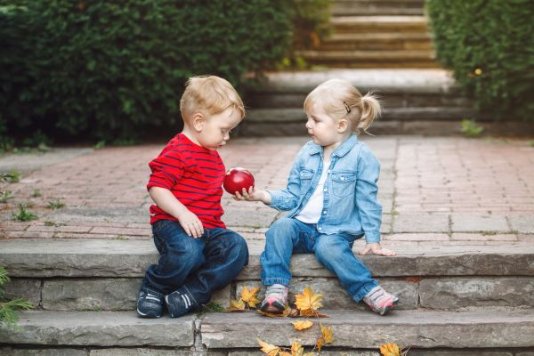 Μεγαλώνοντας παιδιά που μοιράζονται | imommy.gr