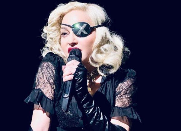 Μαντόνα : Νέο ατύχημα επί σκηνής – Ξέσπασε σε κλάματα κατά τη διάρκεια συναυλίας | imommy.gr