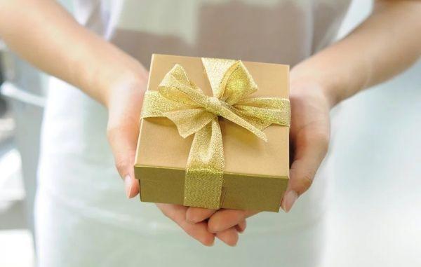 Τα ζώδια που όταν αγαπάνε κάνουν δώρα | imommy.gr