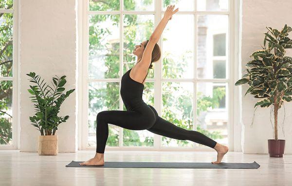 Πρωινή γιόγκα: Αυτές είναι οι ασκήσεις που θα σας χαρίσουν ευεξία | imommy.gr