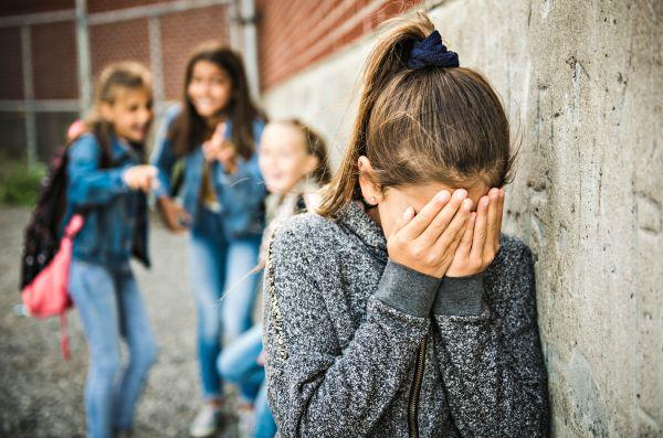 Πώς θα καταλάβετε ότι το παιδί δέχεται bullying | imommy.gr