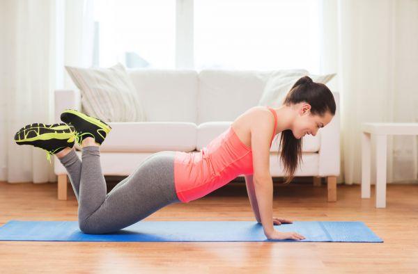 Αφιερώστε μόλις δέκα λεπτά για να γυμνάσετε πλάτη, χέρια και στήθος | imommy.gr