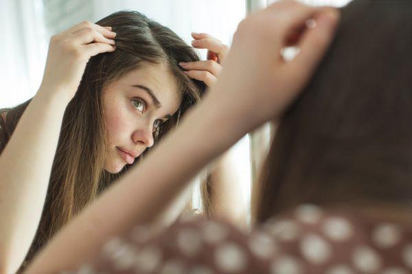 Με αυτή τη DIY μάσκα μαλλιών θα πείτε «αντίο» στη λιπαρότητα | imommy.gr