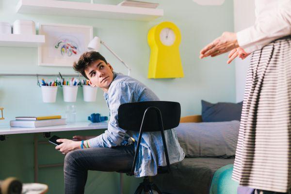 Ο έφηβος σας αντιμιλά; Έτσι θα το διαχειριστείτε | imommy.gr