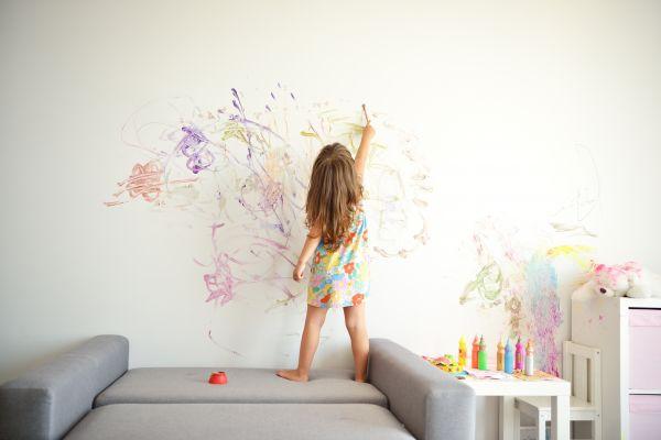 Οκτώ λόγοι να στρέψετε το νήπιο στη ζωγραφική | imommy.gr