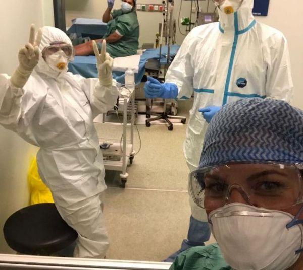 Κοροναϊός: Οι συγκινητικές εικόνες από τον πρώτο τοκετό γυναίκας θετικής στον ιό | imommy.gr