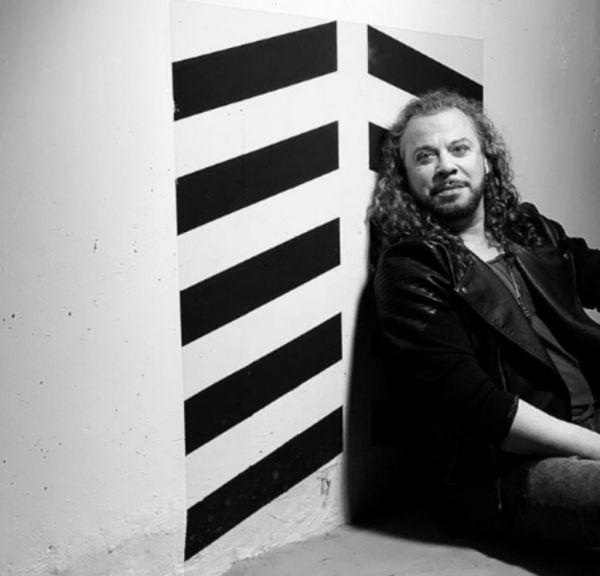 Χρήστος Δάντης: Απαντά στους επικριτές του για το αμφιλεγόμενο τραγούδι του | imommy.gr