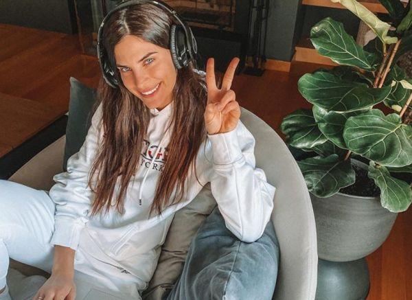 Χριστίνα Μπόμπα : Η πρώτη έξοδος μετά την ανάρρωσή της από τον κοροναϊό | imommy.gr