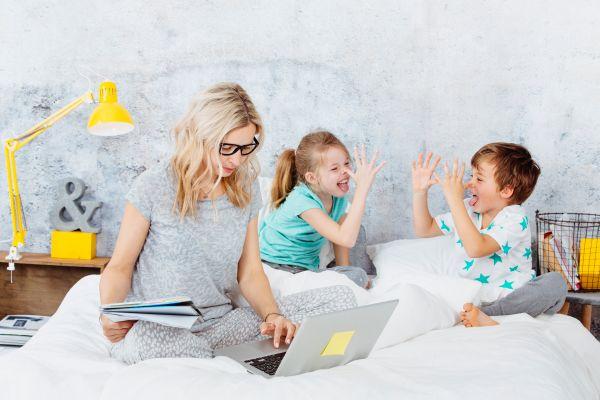 Μένουμε σπίτι: Πώς μπορούν οι γονείς να βρουν προσωπικό χώρο; | imommy.gr