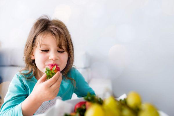 Πώς θα κάνω το παιδί να αγαπήσει τα φρούτα και τα λαχανικά; | imommy.gr