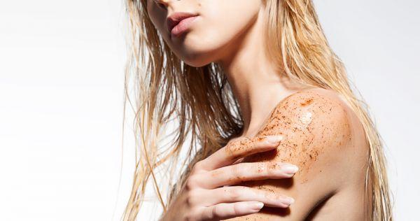 Φτιάξτε τα δικά σας scrub για απαλό και λαμπερό δέρμα | imommy.gr
