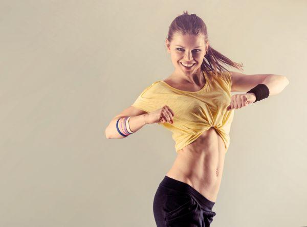 Κάψτε εύκολα θερμίδες χορεύοντας στο σπίτι | imommy.gr