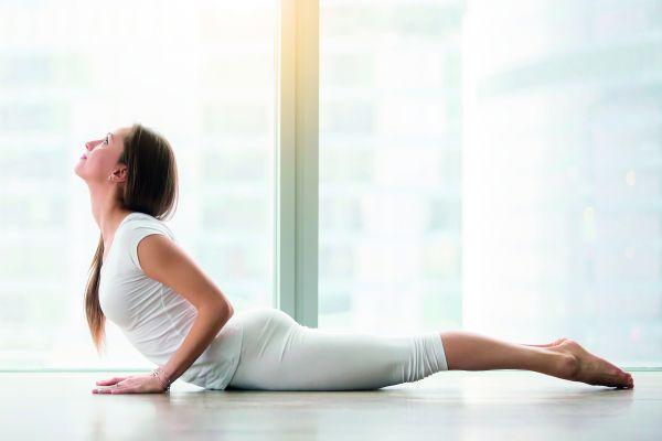 Τέσσερις εύκολες άσανες που θα αναζωογονήσουν άμεσα το σώμα και τον νου σας | imommy.gr