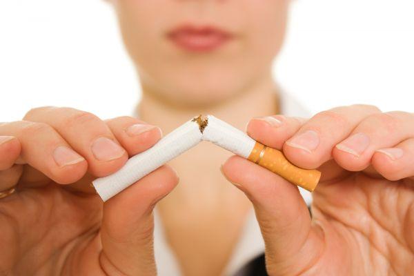 Κοροναϊός: Γιατί πρέπει να σταματήσετε το κάπνισμα – Πώς θα τα καταφέρετε | imommy.gr