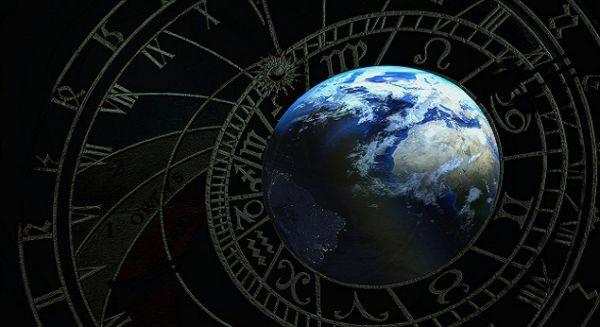 «Θα σκοτώσει ο κοροναϊός την αστρολογία;» – Κανείς δεν προέβλεψε την πανδημία | imommy.gr