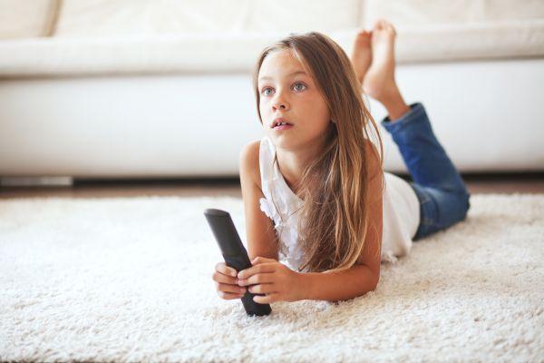 Μπορεί η τηλεόραση να του κάνει καλό; | imommy.gr