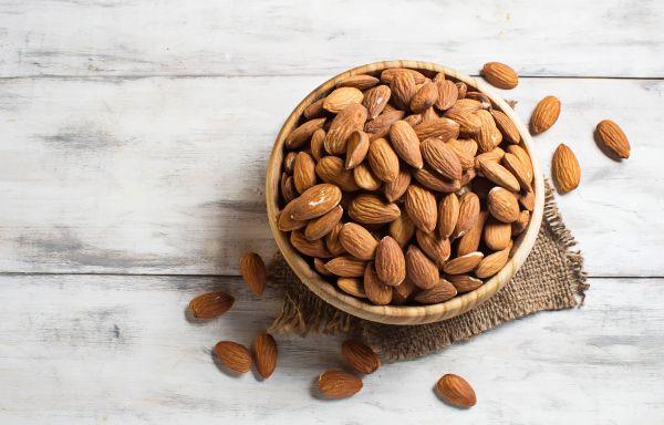 Αμύγδαλα: Το υγιεινό σνακ που δεν πρέπει να λείπει από τη διατροφή σας | imommy.gr