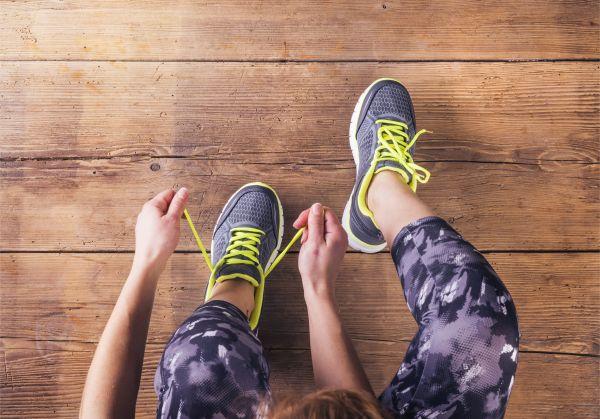Κοροναϊός: Πώς θα απολυμάνουμε σωστά τα παπούτσια μας | imommy.gr